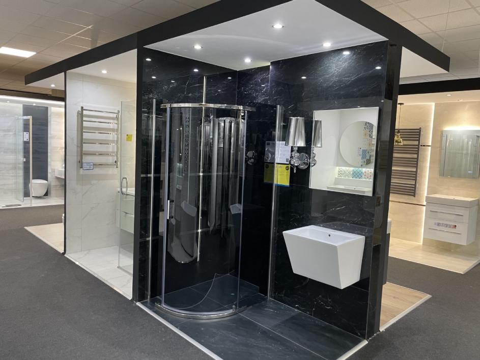 Oryginalna aranżacja małej łazienki z kabiną prysznicową BLU Łódź Wydawnicza 21