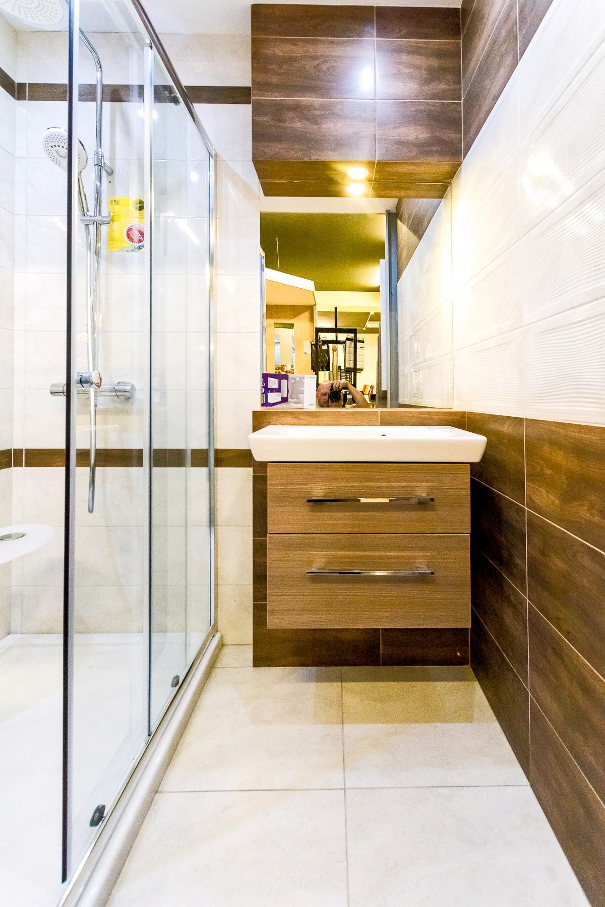 Aranżacja łazienki w kolekcji Domino Enna - zdjęcie od BLU salon łazienek Siedlce