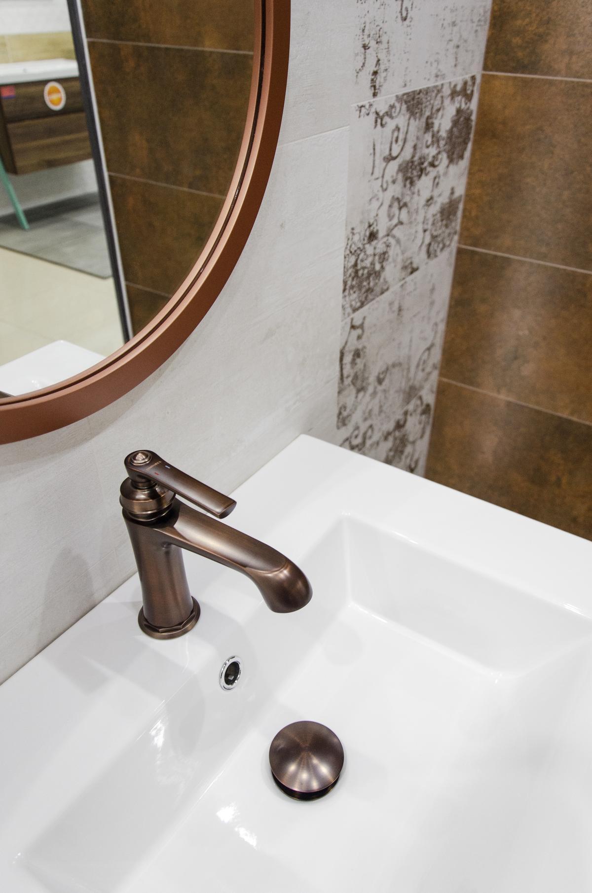 Aranżacja łazienki w rustykalnym stylu - detal - zdjęcie od BLU salon łazienek Grudziądz