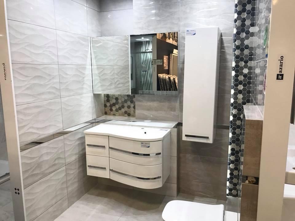 Azario Costa - szara łazienka w połysku - zdjęcie od BLU salon łazienek Łódź