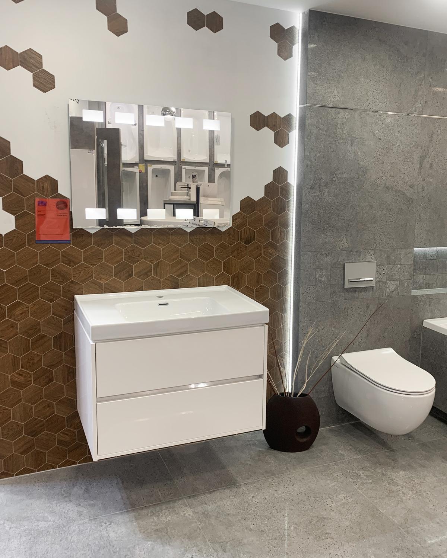 Biała ceramika sanitarna w BLU Olsztyn - zdjęcie od BLU salon łazienek Olsztyn