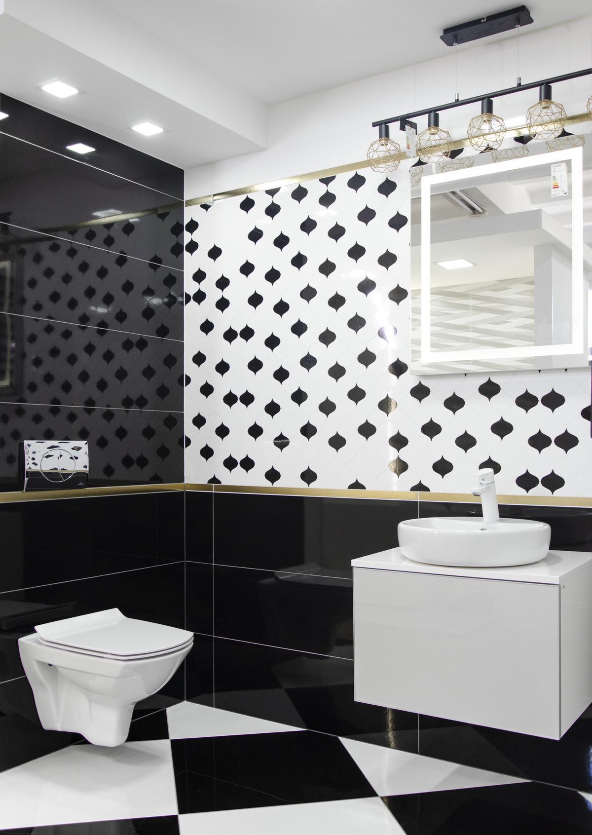 Biało-czarna łazienka w stylu glamour z motywem arabeski - zdjęcie od BLU salon łazienek Pułtusk