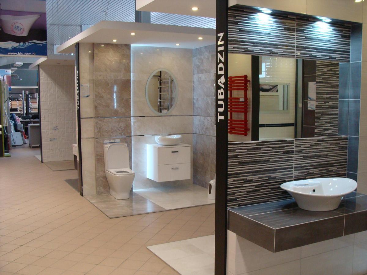 Boksy ekspozycyjne w salonie BLU w Mławie - zdjęcie od BLU salon łazienek Mława