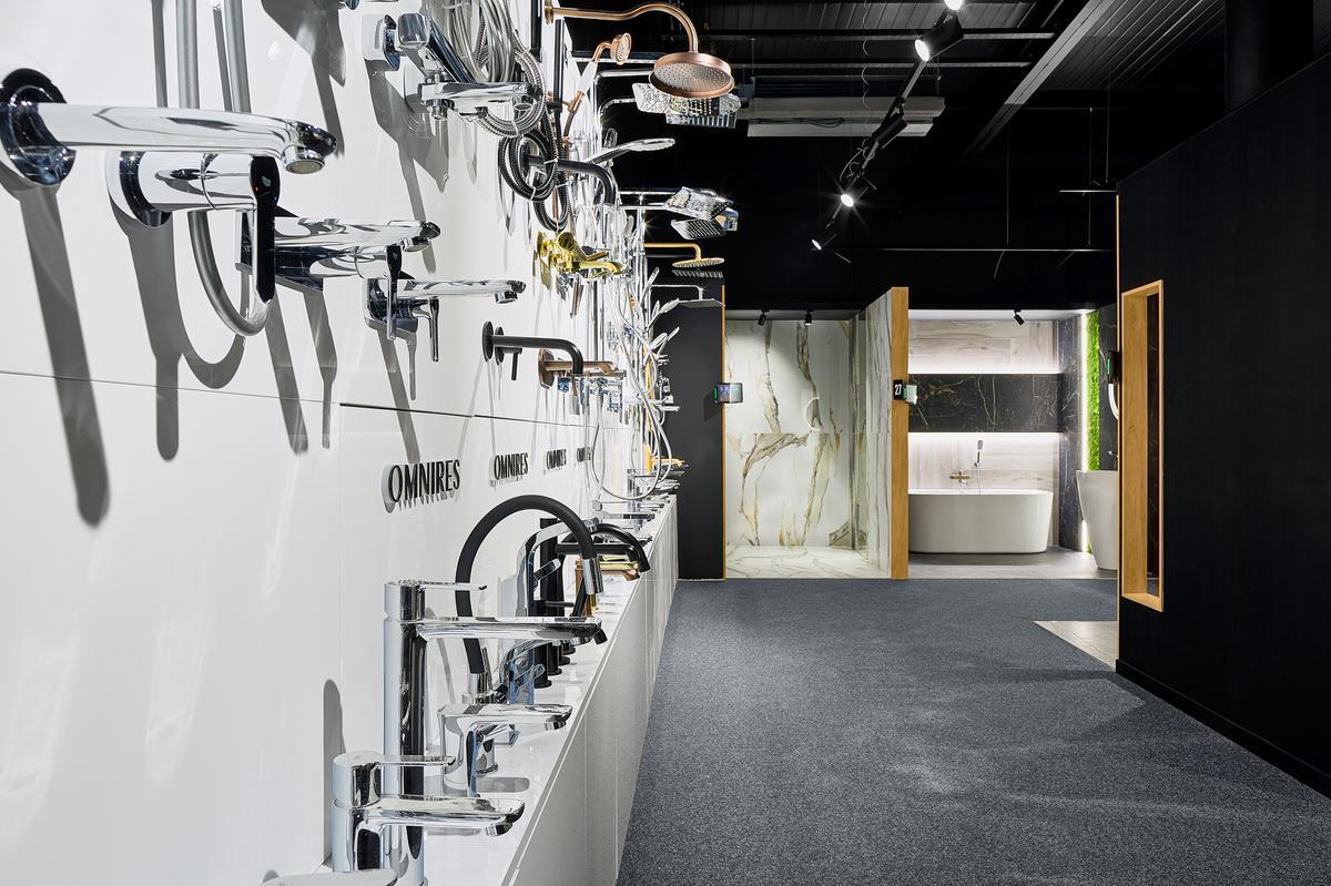 Ekspozycja baterii i zestawów Omnires w BLU Elbląg - zdjęcie od BLU salon łazienek Elbląg