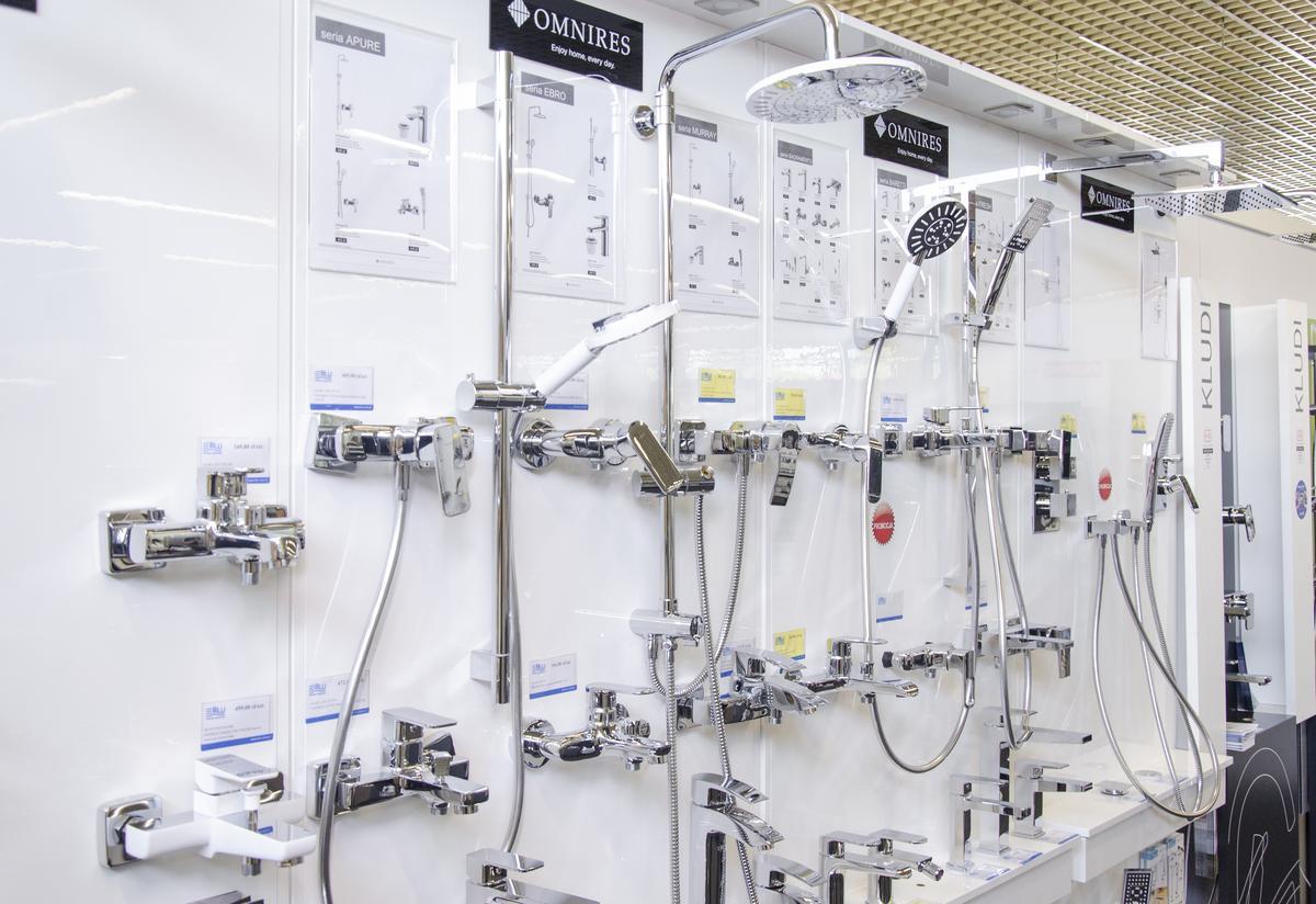 Ekspozycja baterii łazienkowych w BLU Łowicz - zdjęcie od BLU salon łazienek Łowicz