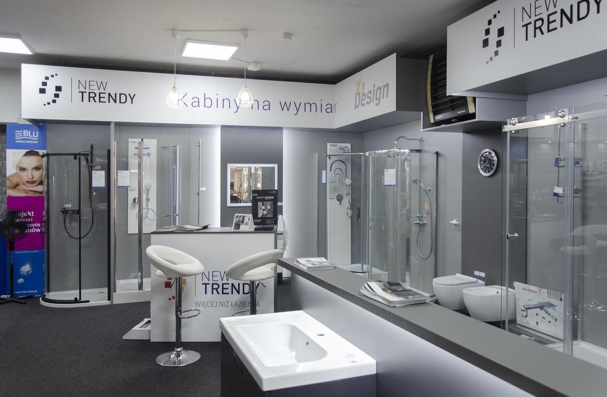 Ekspozycja kabin prysznicowych w BLU Grudziądz - zdjęcie od BLU salon łazienek Grudziądz