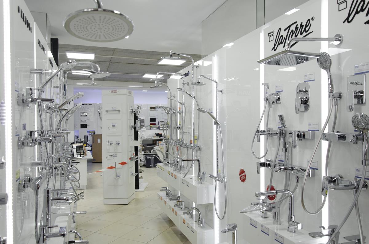 Ekspozycje baterii łazienkowych  - zdjęcie od BLU salon łazienek Białystok