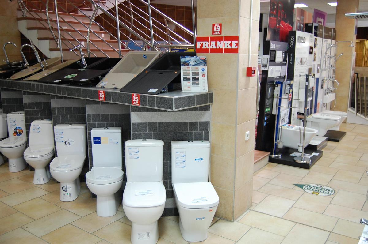 Ekspozycje - kompakty wc, zlewozmywaki - zdjęcie od BLU salon łazienek Nowy Sącz
