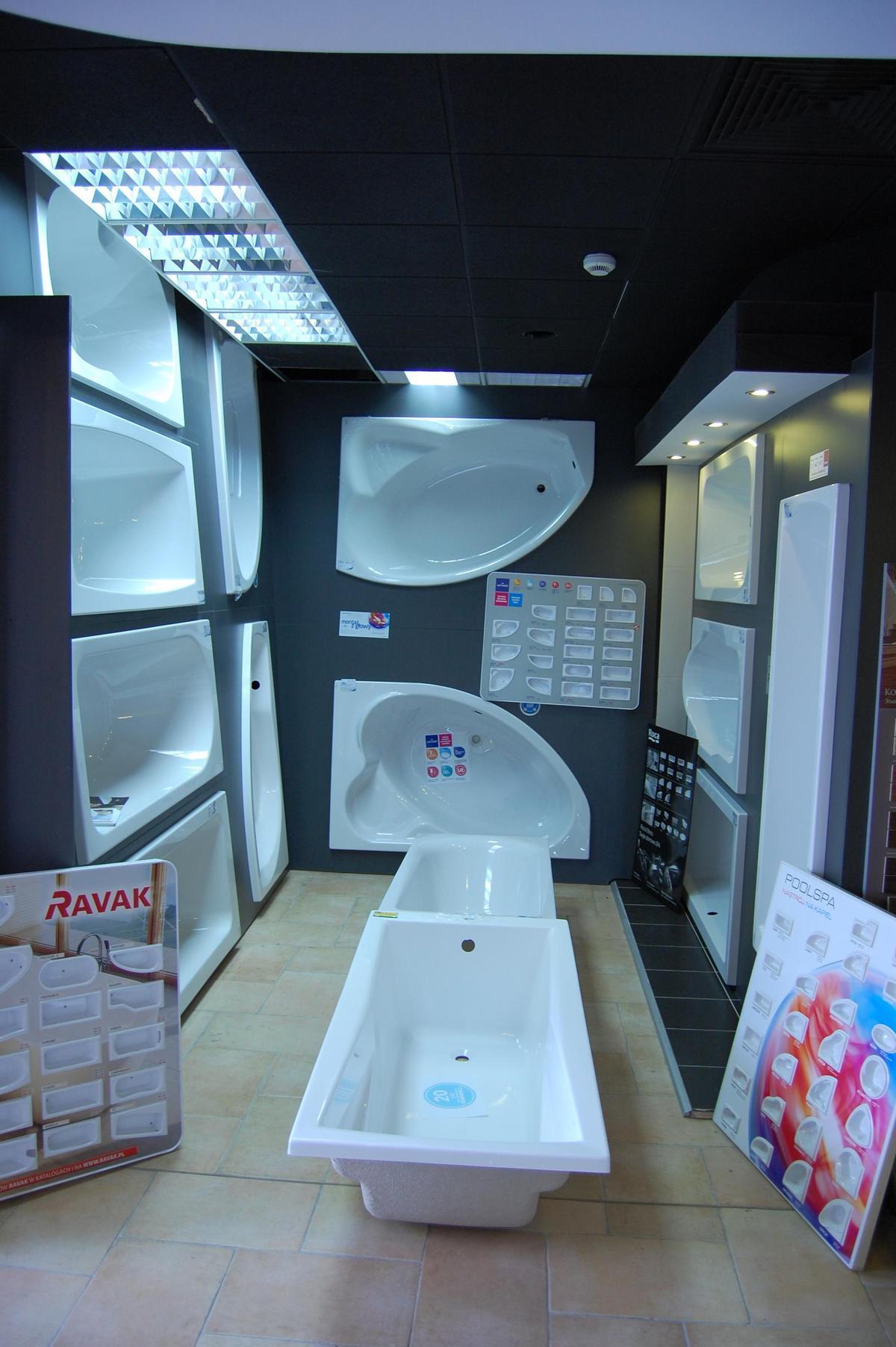 Ekspozycje wanien - BLU Nowy Sącz - zdjęcie od BLU salon łazienek Nowy Sącz