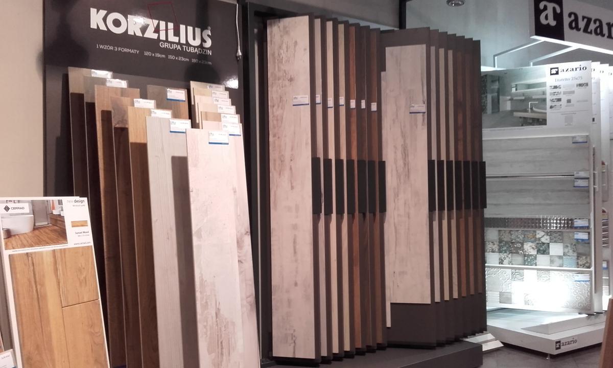 Korzilius płytki drewnopodobne - zdjęcie od BLU salon łazienek Płońsk