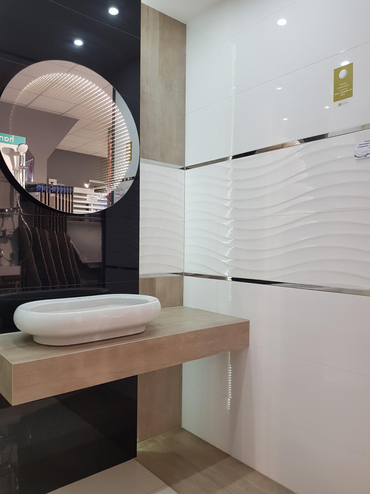 Łazienka w płytkach z kolekcji Azario - zdjęcie od BLU salon łazienek Cieszyn