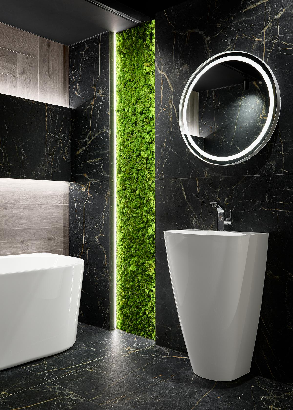 Luksusowa łazienka z marmurem i jasnym drewnem Cerrad Acero Bianco - zdjęcie od BLU salon łazienek Elbląg