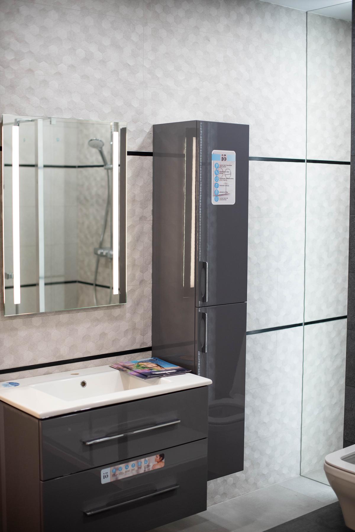 Meble łazienkowe IÖ w BLU Suwałki - zdjęcie od BLU salon łazienek Suwałki