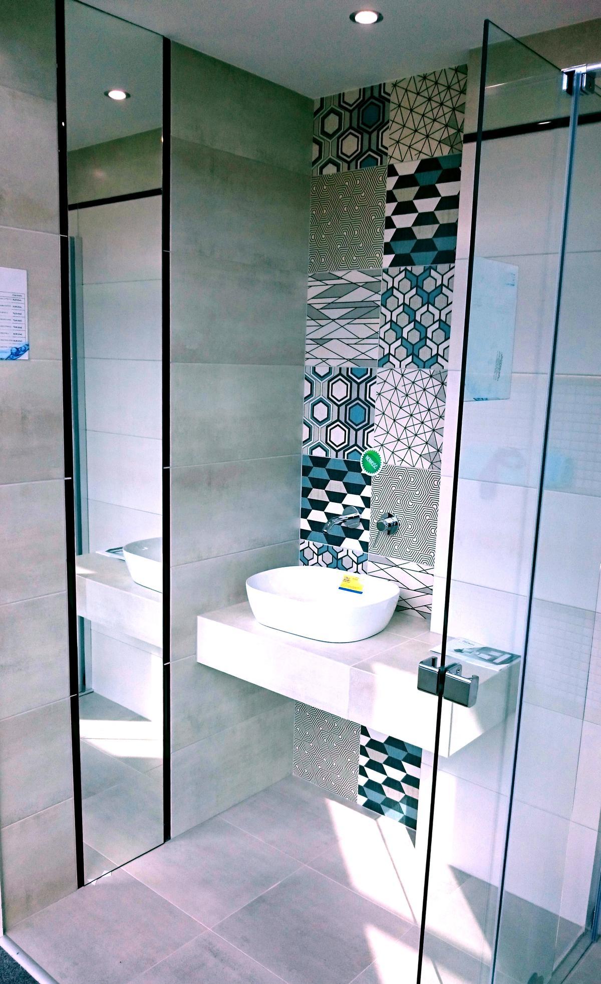 Paradyż Orrios Huppe kabina Alpha Excellent umywalka nablatowa - zdjęcie od BLU salon łazienek Rumia