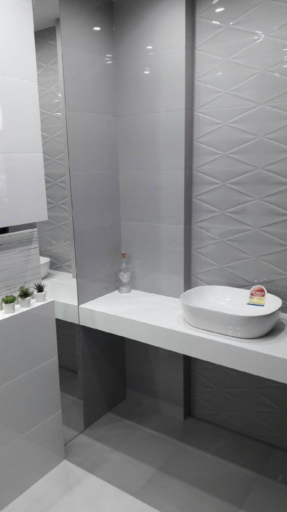 Płytki z kolekcji Tubądzin Abisso  - zdjęcie od BLU salon łazienek Płońsk