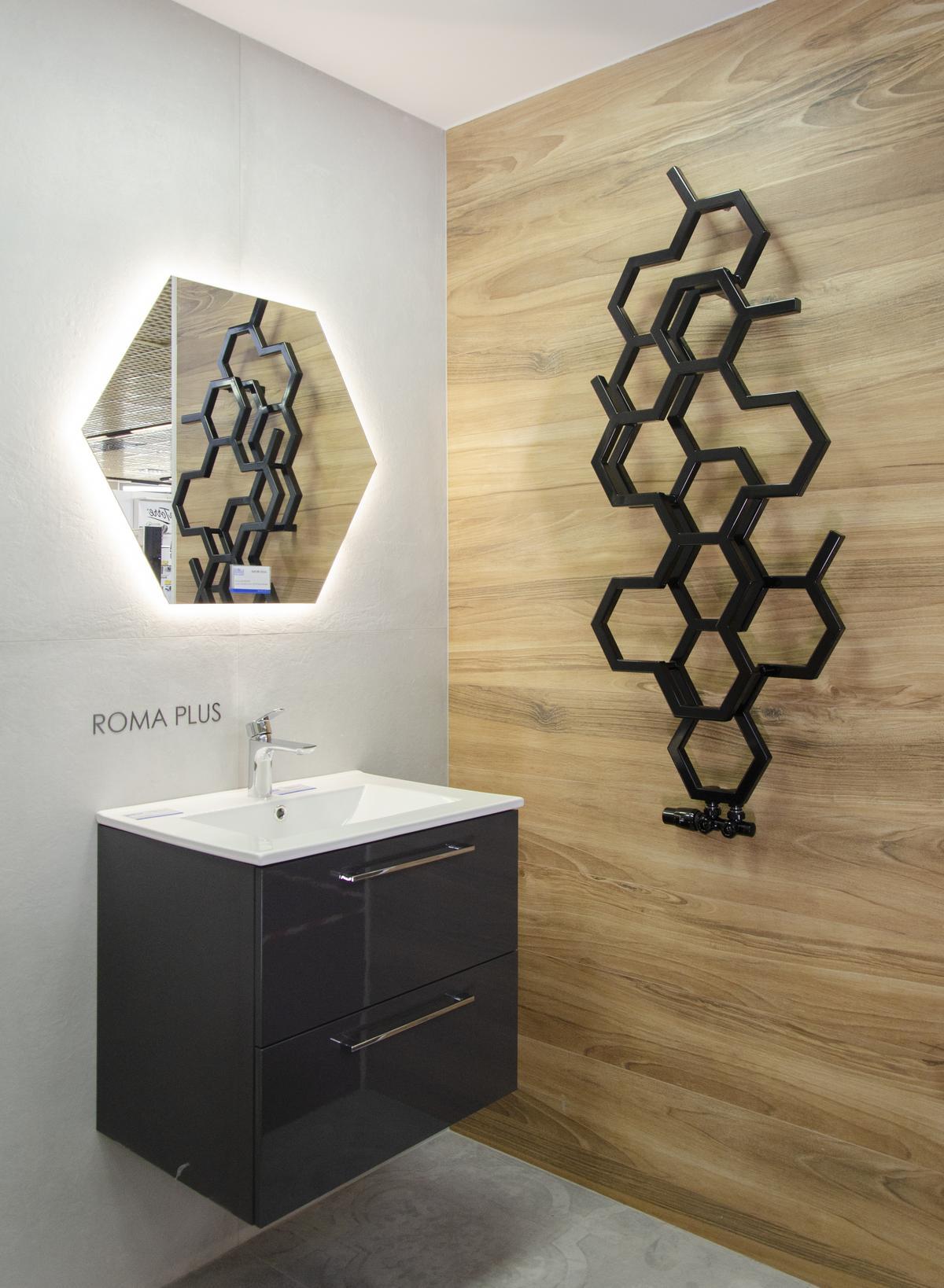 Pomysł na wykorzystanie wzorów heksagonalnych w łazience - zdjęcie od BLU salon łazienek Łowicz