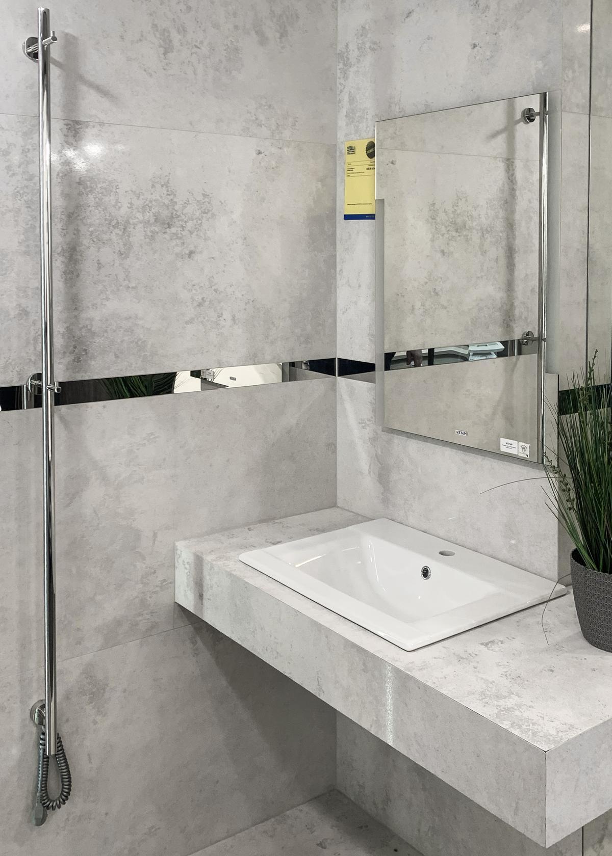 Strefa umywalkowa z szarą płytką w BLU Olsztyn - zdjęcie od BLU salon łazienek Olsztyn