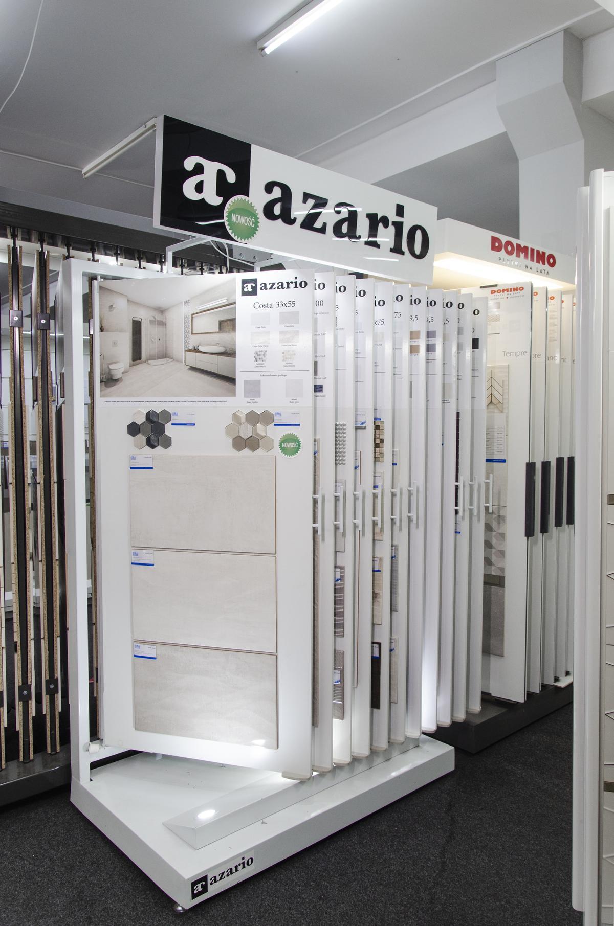 Szafy ekspozycyjne płytek Azario w BLU Skierniewice - zdjęcie od BLU salon łazienek Skierniewice
