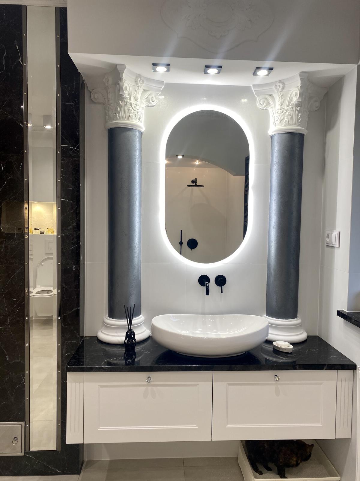 Wygodna strefa umywalkowa w realizacji łazienki BLU Łomża - zdjęcie od BLU salon łazienek Łomża